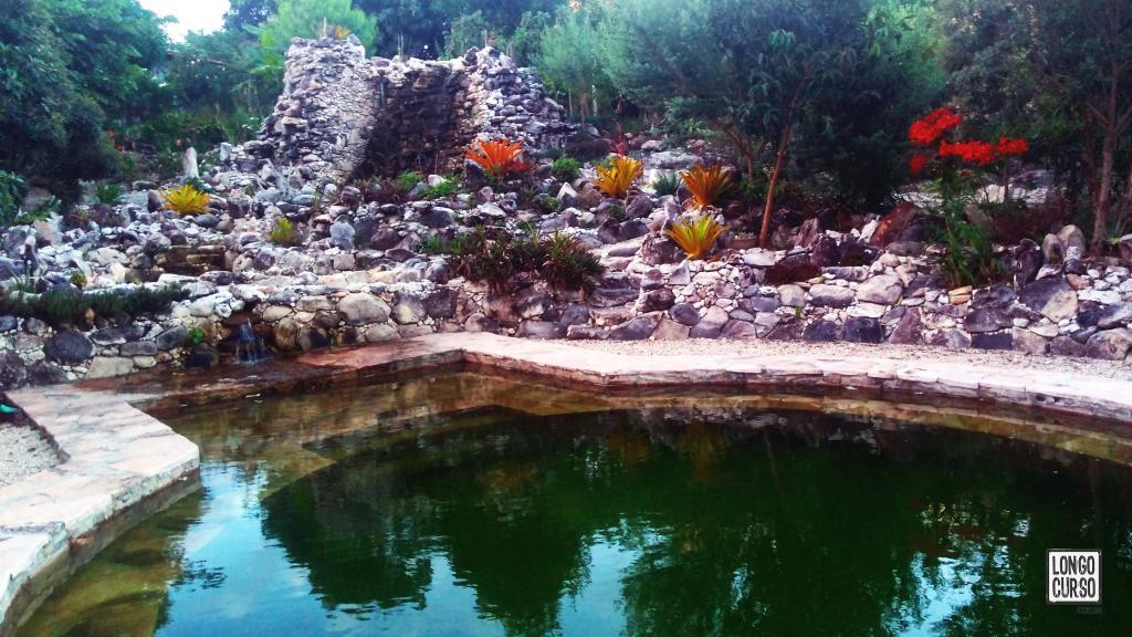 Novo espaço da Kabana de Pedra com piscina natural