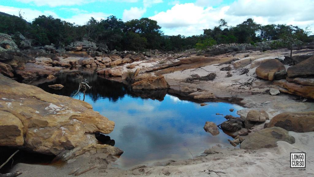 Nossa praia em um recuo de uma das margens do imponente Rio Paraguaçu.
