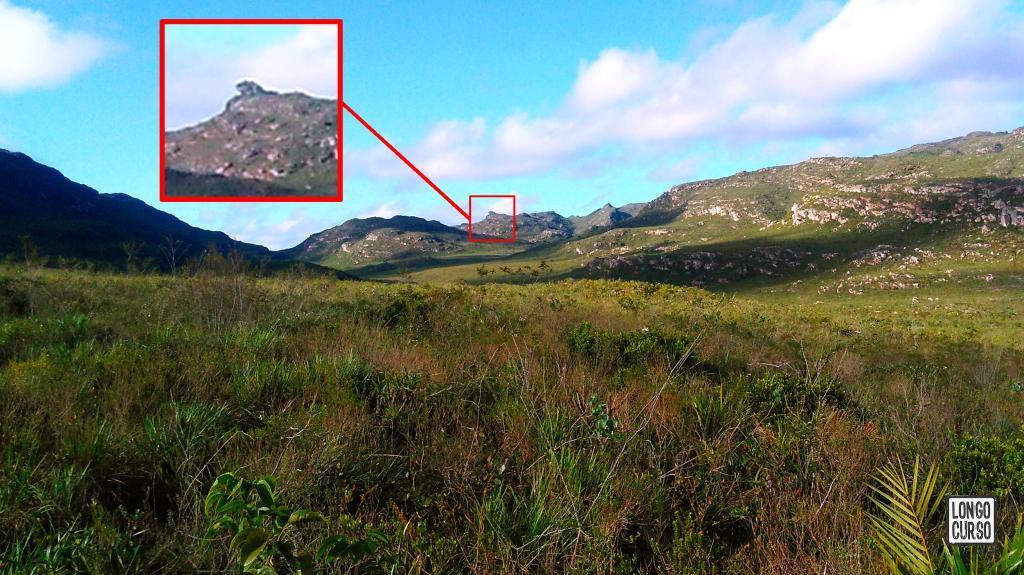 """Nosso principal referencial dentro do vale do Mucugê era a """"montanha bicuca"""" na, suposta, Serra da Tesoura."""