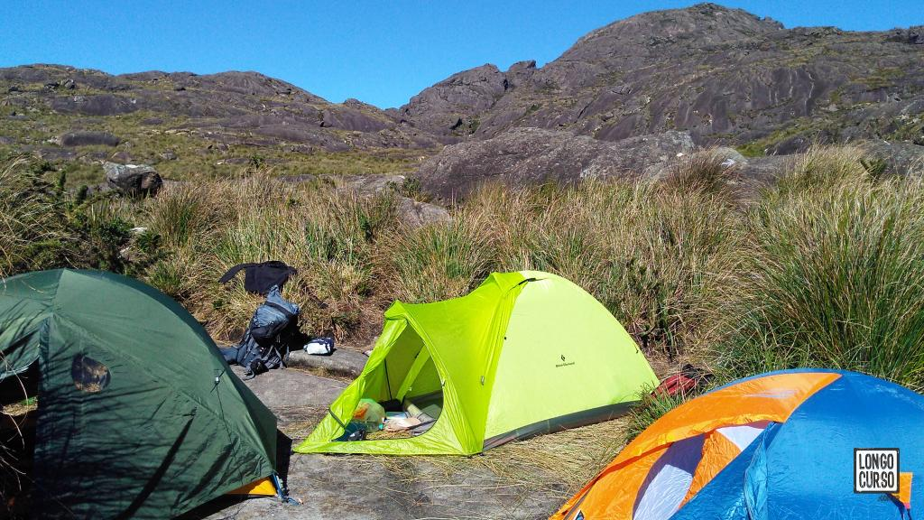 Nosso acampamento montado na base do Marins, a 1 Km do cume da montanha