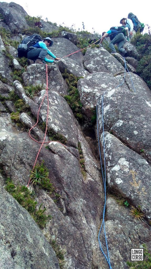 Descida da corda após o Marinzinho.