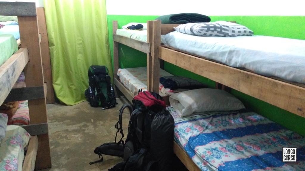 Um dos quartos no abrigo Marins