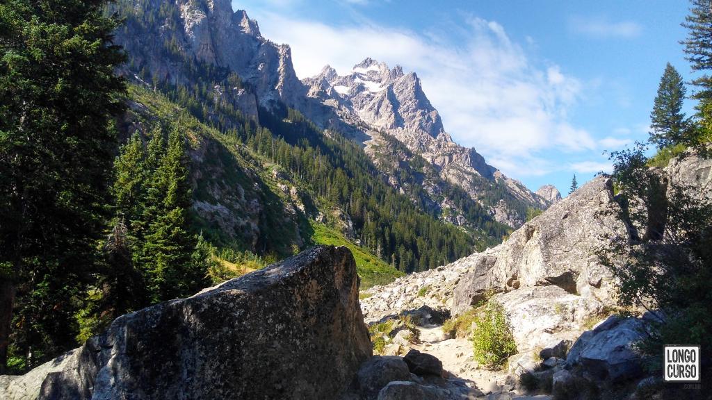 Visual das montanhas dentro do Cascade Canyon