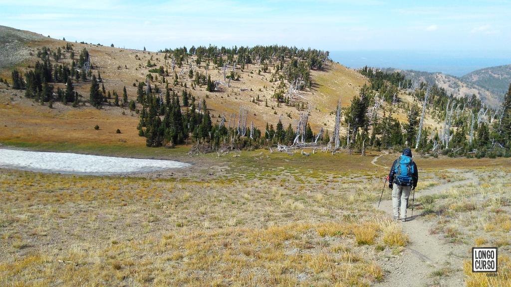 Caminhando rumo ao topo do Mount Sheridan